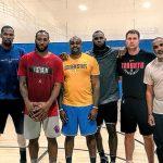 NBAのトッププレイヤー3名がUCLAに集結というビッグニュースそっちのけで話題になるレナードの大きな手
